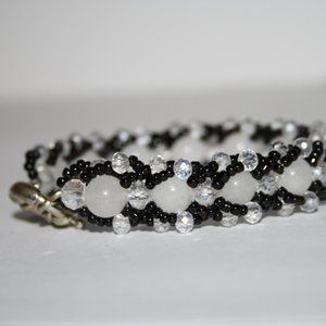 Beautiful black and white beaded glass bracelet